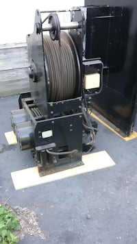 HYDRAULIC WINCH 20,000 POUND PULL, WITH REMOTE AND