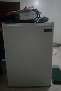 white single-door refrigerator Alexandria, 22310