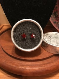 Beautiful!! Silver Red Crystal Star Earrings Gainesville, 20155