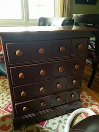 Distressed burgundy wooden 4-drawers chest