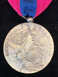 FR National Defence Medal  Toronto, M4V