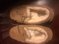 Ugg girl slipper size 13 Potomac, 20854