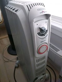 DeLonghi portable heater. great condition.. working Burnaby, V5H 4N2