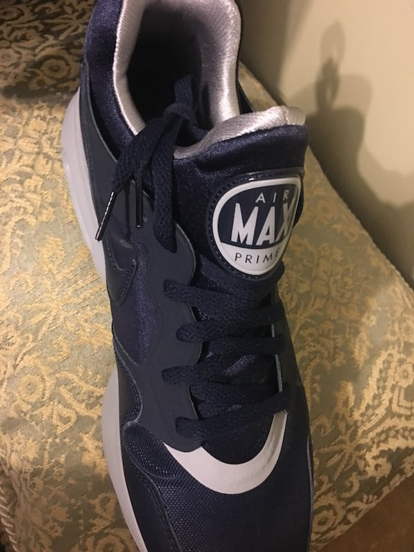 Nike Air Max size 10.5 New  2