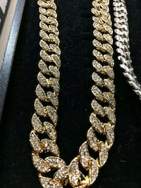 gold and diamond studded necklace Houston, 77036