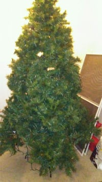 6.5 ft Donnor Fir w/Decor!!! Troy, 45373