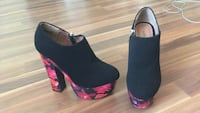 Dollhouse brand size 6 booties