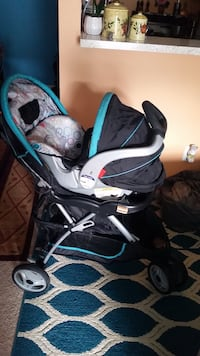 baby's black and blue stroller Alexandria, 22304