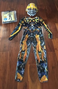 Bumblebee transformers costume contains 1 jumpsuit and mask