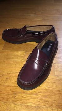 Burgundy Leather Loafers - 6.5 M Medfield, 02052