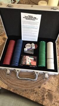 Poker chip set with accessories