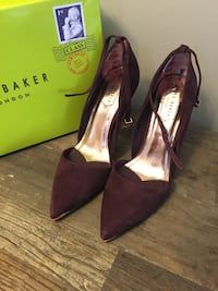 Pair of burgundy pointed-toe heels Milton, L9T 2R1