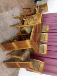 Very good all wood strong table with six chairs Carlisle, 17013