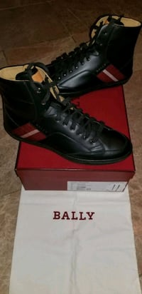 Bally's  Gucci Louis Vuitton Mens designers shoes  Woodbridge Township, 07095