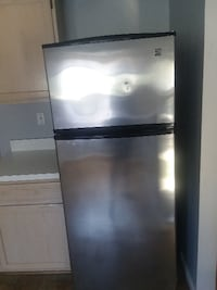 gray top-mount refrigerator DISTRICTHEIGHTS