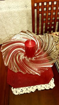 Vintage swirl glass center piece Barrie, L4N 6C3