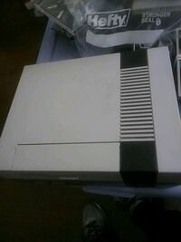 Nes System 2 Controllers 1 game 2395 mi