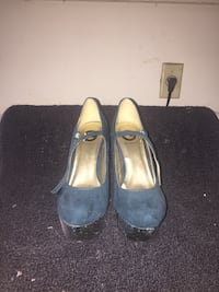 Guess turquoise suede/ faux snake skin heels. New. Size 7.5 Bryan, 77803