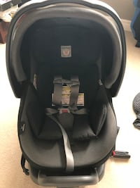 baby's black and gray carseat carrier Brampton, L6V 2G1