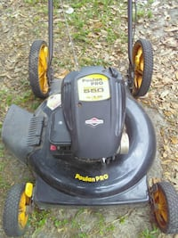 Good running push mower 884 mi