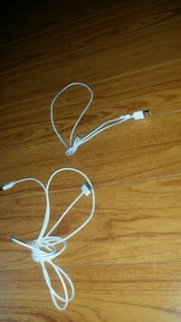 2 iPhone or iPad Chargers ( Work )  Markham, L3S 3T5