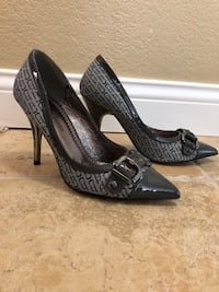 Paris taxes high heel closed toe shoes size 6 Antelope, 95843