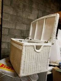 White Wicker storage trunk Toronto, M2L 2J3