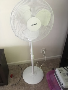 White Corded Pelonis Pedestal Fan In Mt Juliet Letgo