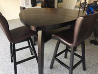 Dining table & chairs for sale!  Parkland, 33076