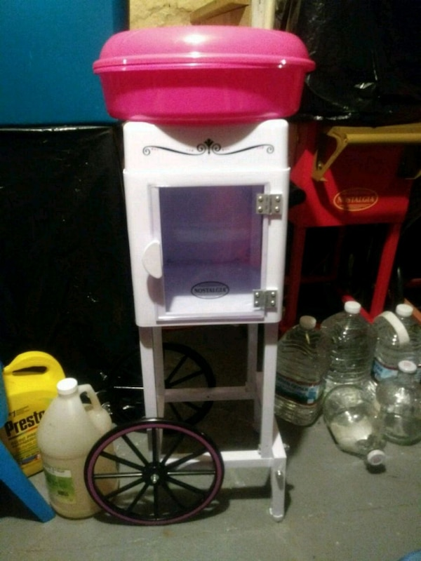 Like new cotton candy maker