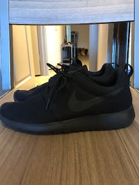 All Black Roshe Runs College Station