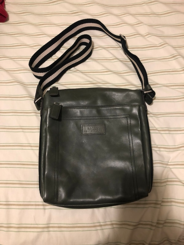 "Used Bally leather side bag ""Tuston"