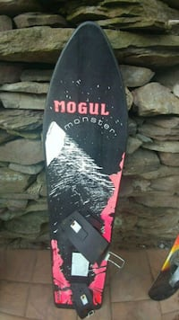 Mogul Monster snow board