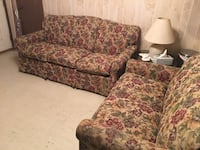 Couches small and large set Floresville, 78114