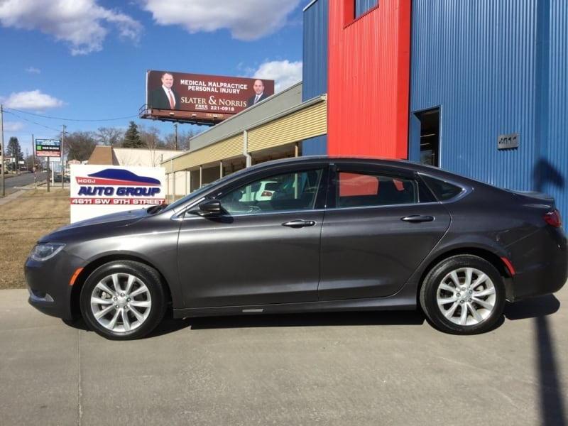 *LOW MILES* *NEW ARRIVAL* 2015 Chrysler 200c -- Ask About Our GUARANTEED CREDIT APPROVAL b6f54e63-2ec2-46ec-bb41-3cc267bf8303