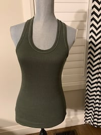 725 originals tank top women's size L London, N6M 0E5