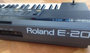 Roland E-20 Intelligent Synthesizer