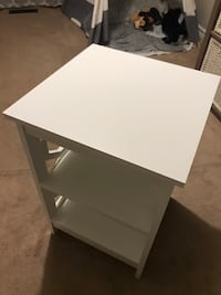 End table- white Georgetown, L7G 0G8