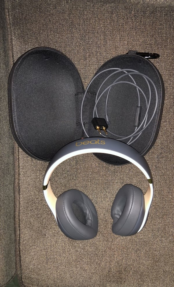 Beats Studio3 Noise Cancelling Headphones 9954a544-3b13-443b-bd18-67625b8b591d