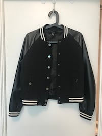 Forever 21 black and white letterman jacket 多伦多, M2N 1H9