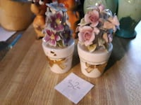 two ceramic flower decors on wooden surface Fresno, 93703