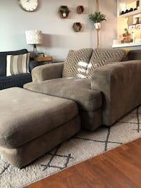 Large love seat with ottoman San Diego, 92111