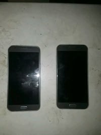 2 Samsung galaxy phones Youngstown, 44502