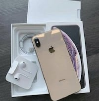 iPhone xs max brand new comes with original accessories