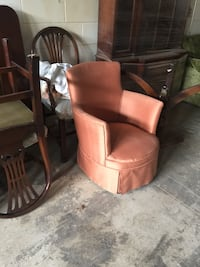 Retro chair, this item is located in cates in Mississauga Barrie, L4N