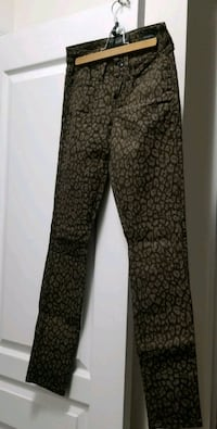 black and brown houndstooth pants