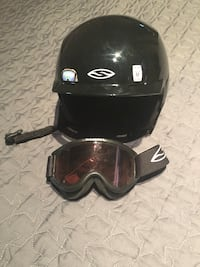 Ski helmets and googles smith optics size M youth
