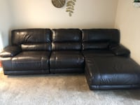Dual reclining leather couch Indianapolis, 46240