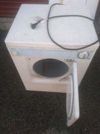 Whirlpool 24 inch apartment size dryer works great Prince George's County, 20746