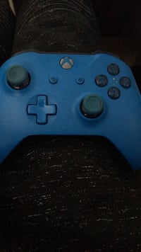 blue Xbox One wireless controller Aurora, 80010